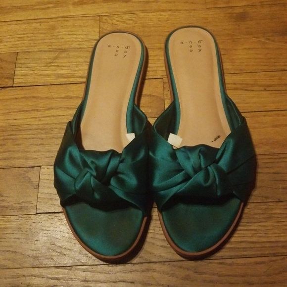 59d0837ac17 a new day Shoes - Green satin slides